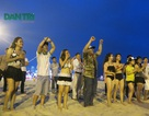 Xem trình diễn flashmob khởi động mùa du lịch biển 2016