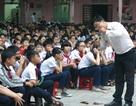 Gặp thầy giáo khiến học trò ướt mắt với những giờ học không sách vở