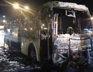 Xe 45 chỗ cháy trơ khung khi vừa trả hết khách
