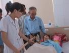 Cụ ông gần 70 tuổi chia sẻ 40 triệu đồng hỗ trợ chị Nguyễn Thị Nga