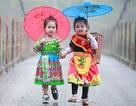 Bé gái Hà Giang xúng xính trang phục dân tộc đón Tết Bính Thân