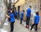 300 thanh niên Thủ đô ra quân làm vệ sinh đường phố dịp nghỉ lễ