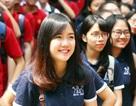"""Nữ sinh THPT Trần Nhân Tông xinh xắn khoe """"màu cờ sắc áo"""""""