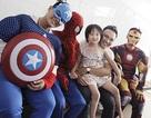 """""""Biệt đội siêu anh hùng"""" ghé thăm bệnh nhi ngày 1/6"""