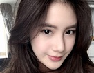 """Hot girl Lào gốc Việt gây """"bão"""" mạng xã hội"""