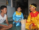 """Cả nhà """"nghiện"""" bài chòi giữa đảo Cù Lao Xanh"""