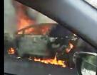 Ô tô cháy rụi trên đèo Cù Mông