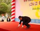Giáo sư Hàn Quốc quỳ gối xin lỗi hơn 1.000 thường dân bị sát hại ở Bình Định