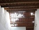 Nhà cửa tan hoang sau trận mưa đá kèm lốc xoáy kéo dài cả tiếng