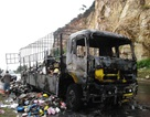 Xe tải cháy rụi, tài xế kịp thời thoát thân