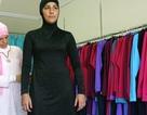 """Lo ngại khủng bố, Pháp cấm trang phục tắm biển """"kín mít"""" của người Hồi giáo"""