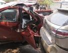 Rơ-moóc tuột khỏi đầu kéo húc nát 3 ô tô, cuốn chết 1 phụ nữ