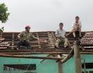 2 người chết, mất tích do mưa lũ, hàng chục ngôi nhà tốc mái