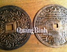 Quảng Bình: Đào đất làm vườn, phát hiện 2 đồng tiền lớn thời nhà Nguyễn