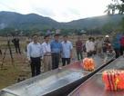 Cộng đồng người Việt tại Nga tặng thuyền cho người dân vùng lũ