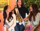 Hà Phương chụp hình quảng cáo cùng thí sinh Siêu mẫu Quốc tế 2015