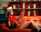 """Phát sốt với hình ảnh Brie Larson """"quậy tưng"""" trong âm nhạc"""