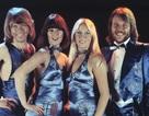Lần đầu tiên ABBA tái hợp trên sân khấu sau 30 năm