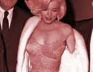 Váy gợi cảm kinh điển của Marilyn Monroe có giá… 110 tỷ đồng