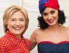 Katy Perry bật khóc khi được bà Hilary Clinton vinh danh