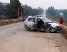 Đi thăm phạm nhân, xe taxi gặp nạn, 2 người nguy kịch