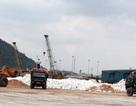 Hàng trăm người dân hứng chịu ô nhiễm từ bãi đá cảng Cửa Lò