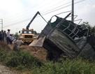 Xe tải tông tàu hỏa, tài xế văng khỏi cabin tử vong