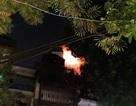 Hoảng loạn vì cháy khách sạn trong phố cổ Hà Nội