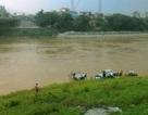 Hà Nội: Dù nhiều người can ngăn, nam thanh niên vẫn nhảy sông tự vẫn