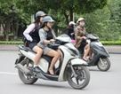 """Hà Nội: Nhiều phụ nữ chống rét kiểu """"trên đông, dưới hè"""""""