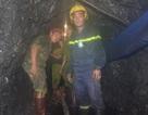 Vụ sập mỏ than ở Hòa Bình: Thi thể nạn nhân thứ 2 được đưa ra ngoài