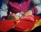 """Hà Nội: Bé trai 1 tháng tuổi bị bỏ rơi cùng bức thư """"nhờ nuôi hộ"""""""