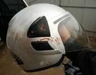 Nhà báo Đỗ Doãn Hoàng thoát chết nhờ chiếc mũ bảo hiểm