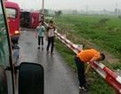 Hà Nội: Xe khách lật trên cao tốc, 2 người chết, 9 người bị thương