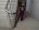"""Hà Nội: Dân tái định cư """"tái mặt"""" vì leo cầu thang hàng chục tầng"""