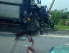 Hà Nội: 2 xe tải tông nhau trên cao tốc, 1 người tử vong