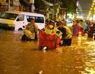 TP HCM tiếp tục mưa giông, Hà Nội nắng nóng
