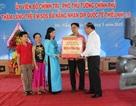Phó Thủ tướng Nguyễn Xuân Phúc tặng quà trẻ em làng trẻ SOS Đà Nẵng