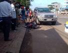 Ô tô tông liên tiếp 3 xe máy, 4 người bị thương