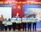 Trao 70 suất học bổng cho trẻ em nghèo hiếu học tại Đắk Lắk