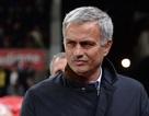 Mourinho bất ngờ khen học trò dù bị loại