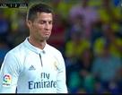 Hờn dỗi vì bị thay ra, C.Ronaldo không thèm nhìn mặt Zidane