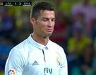 Bỏ bóng đá người, C.Ronaldo đối diện với án treo giò