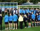 Toàn đội Leicester City mặc niệm nhà Vua Thái Lan