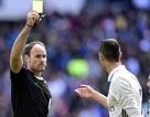 C.Ronaldo nổi giận với đồng đội và thóa mạ trọng tài