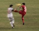 Cú kung-fu của De Jong được tái hiện ở AFF Cup 2016