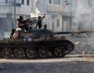 """Phe đối lập Syria """"được tiếp tế"""" vũ khí hạng nặng"""