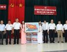 Tặng 3.500 lá cờ Tổ quốc cho ngư dân, chiến sĩ Trường Sa