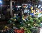 Mưa kéo dài, rau xanh đồng loạt tăng giá