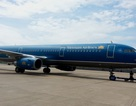 Máy bay Vietnam Airlines bị rách đuôi do va vào cột đèn